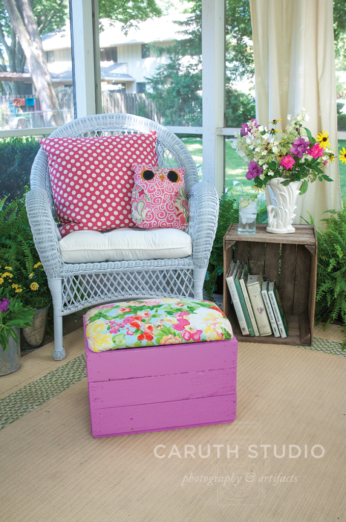 Pallet box footstool