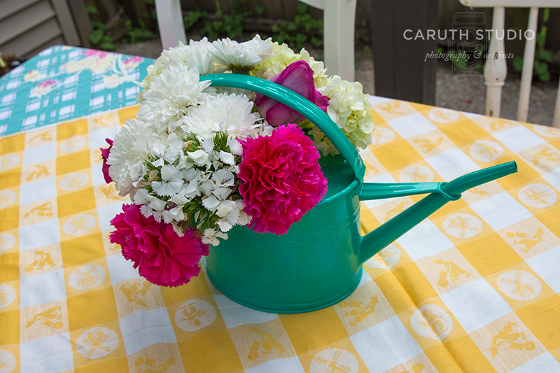 summer patio party floral table centerpiece