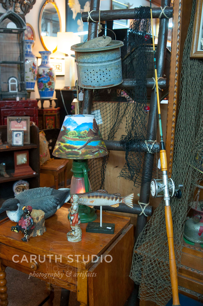 vintage lamps and small decor items
