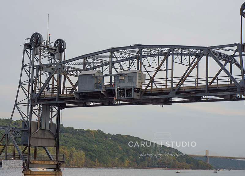 lift bridge all the way up to allow boats to pass under